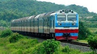 Classic trains in Vietnam| ĐOÀN TÀU LỬA BẮC NAM TRÊN ĐƯỜNG TRỞ VỀ