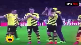 Funny sport - funy football moment *