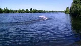 Schockwave 55 Ausfahrt am Kanal