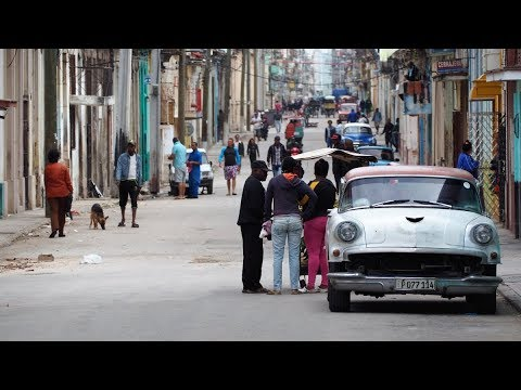 walking in Havana (Cuba)