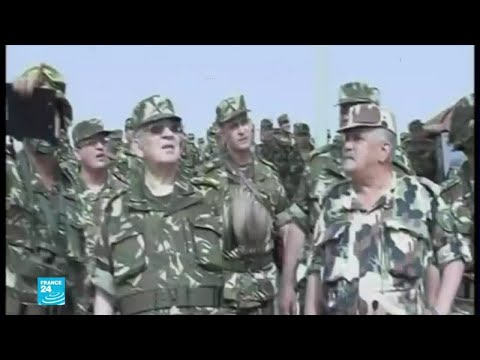 رئيس أركان الجيش الجزائري يدعو إلى تنظيم الانتخابات الرئاسية وفق المهل الدستورية  - نشر قبل 2 ساعة