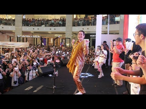 PPAP singer performs live in Malaysia