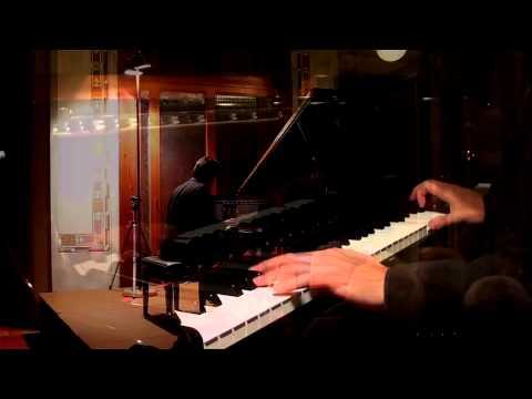"MOZART, 12 Variations on ""Ah, vous dirai-je, Maman"" K.265 (Alberto Lodoletti, piano)"