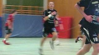 Erik trycker in 25-32 via stolpen mot IFK Ystad thumbnail