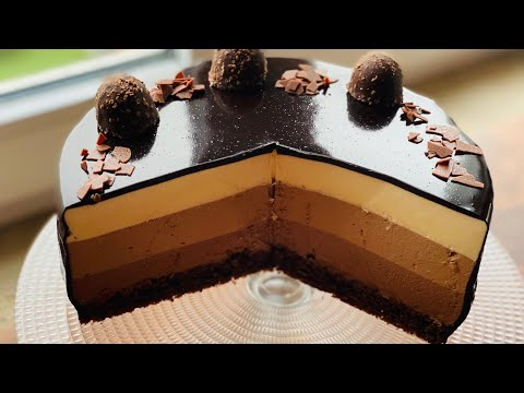 gâteau-3-chocolats-avec-glaçage-miroir