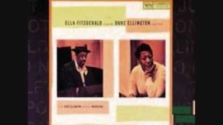 Ella Fitzgerald - Just A-Sittin