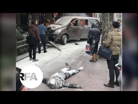 Van Hauling Gas Canisters Crashes in Shanghai | Radio Free A