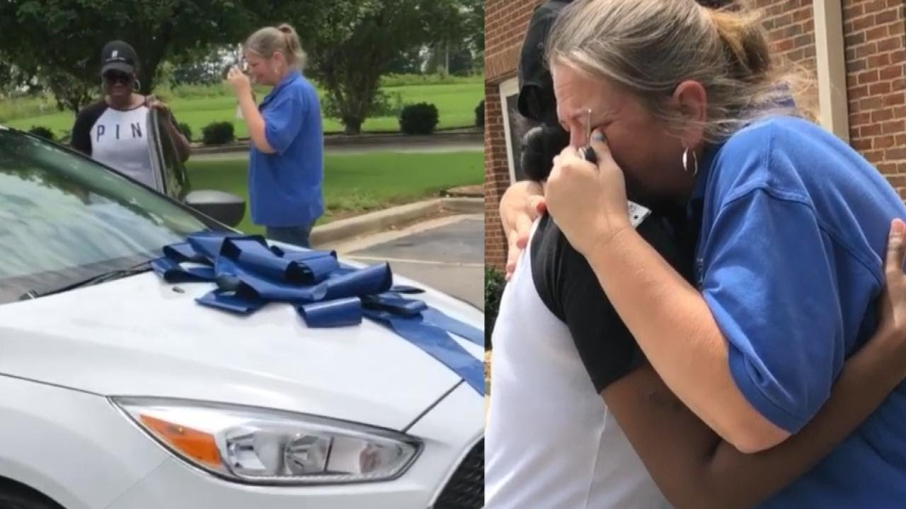 Parents bring teacher to tears when gifting her a brand new car