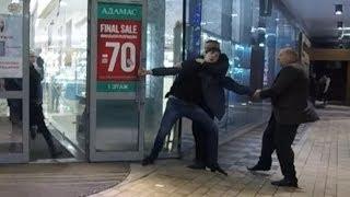 Пробрались в новый торговый центр на bmx | Охрана поймала скейтеров | Драка с охранниками | bmx