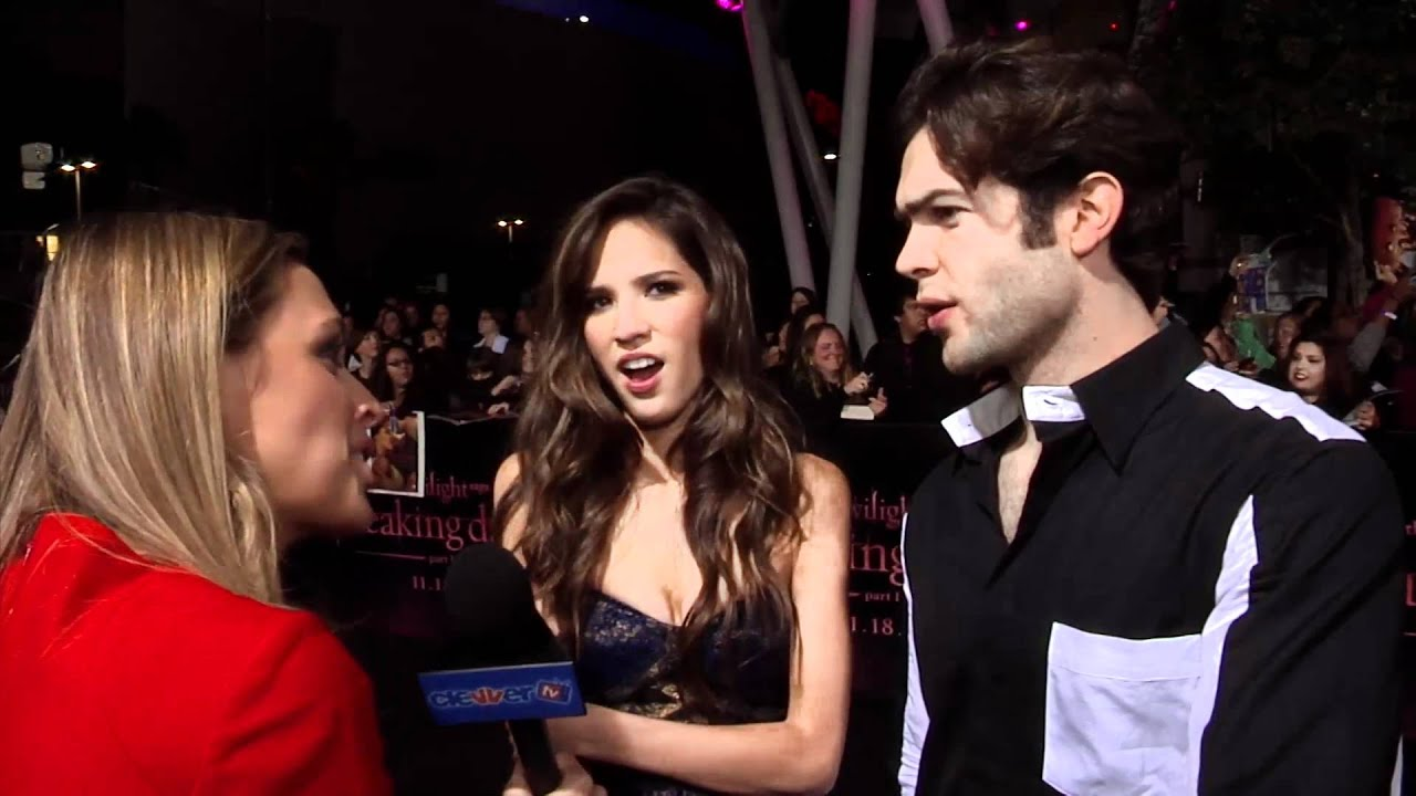 Are ethan peck and lindsey shaw dating in real life 9
