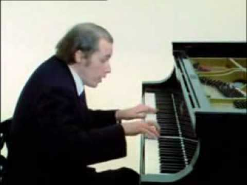 Glenn Gould plays Bach Partita No.6 2-3