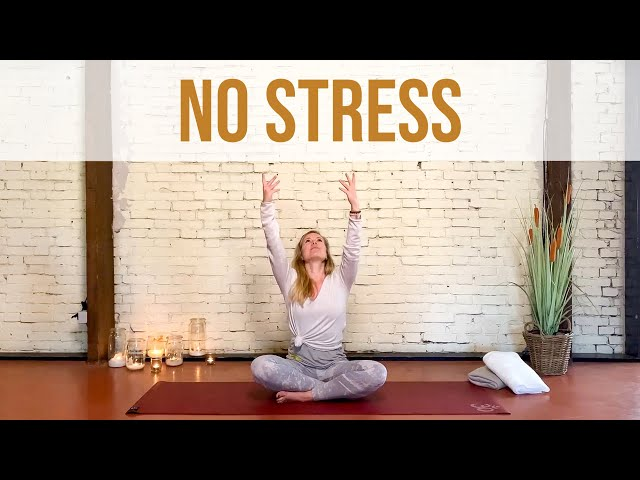 Verlicht stressklachten met deze korte yogasessie (9 min) | Yoga met Sarah