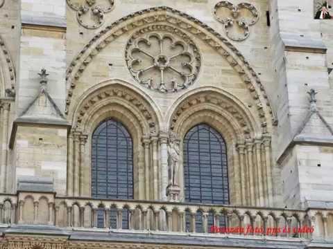 Notre Dame külső képei közelről   1