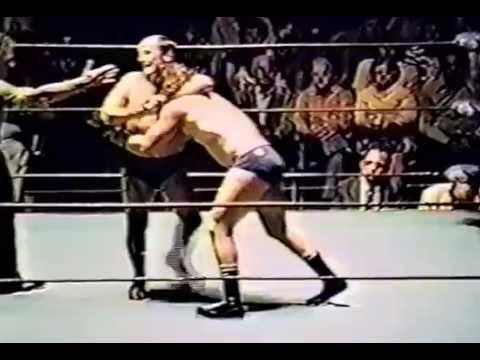 Tito Santana  vs  Rudy Kay  1978