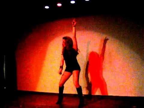 Ver Video de Paulina Rubio Paulina Rubio  Show Plaza Salon Los Angeles CA Imi