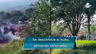 Los reportes señalan que los habitantes, auspiciados por el crimen organizado, empezaron a lanzar piedras y a atacar con palos al personal militar y de Guardia Nacional