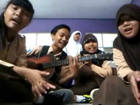 Dhyo Haw - Ada Aku Disini ( Acoustic Cover )
