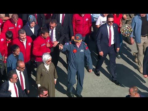 Erdoğan'a damadı Selçuk Bayraktar Teknofest'e eşlik etti