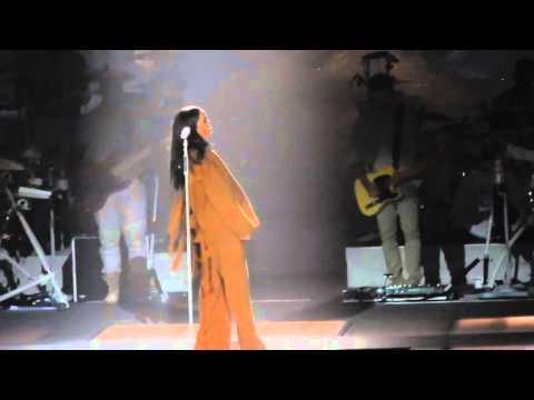 Love on the Brain- Rihanna Live @ The...