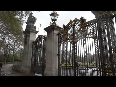 What to see in London - Canada Gate, the Green Park. Amazing London part 19