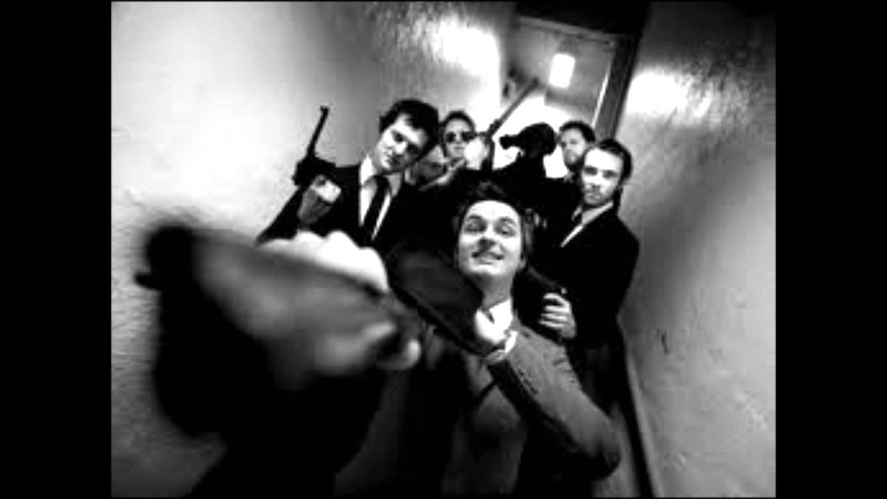 Kaizers Orchestra - Begravelsespolka [lyrics] - YouTube