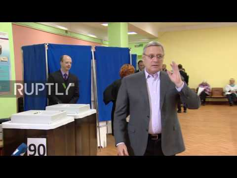 Russia: PARNAS Leader Mikhail Kasyanov casts vote in Moscow
