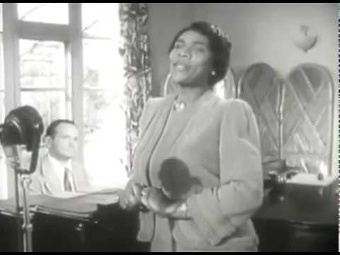 marian anderson during the harlem renaissance