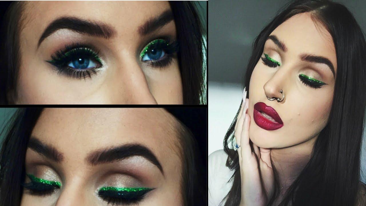 Green glitter eyeliner & red lips | Christmas holiday
