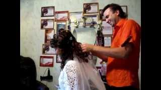 Парикмахер на дом свадебная прическа  www.parikmaher-na-dom.com(Услуги парикмахера стилиста с выездом на дом по Москве: http://parikmaher-na-dom.com/, 2011-10-20T18:31:38.000Z)