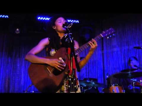 Valerie June - Pushin' Against a Stone @ Stage Club Hamburg