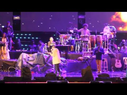 AR Rahman Live in KL 2016 - Sid Sriram - Thalli Pogathey