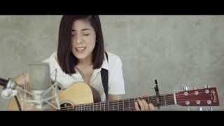 Repeat youtube video Gorillaz - Feel Good Inc. (Cover) by Daniela Andrade