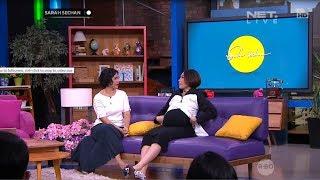 Program talkshow yang dipandu oleh host wanita (Sarah Sechan) yang ...