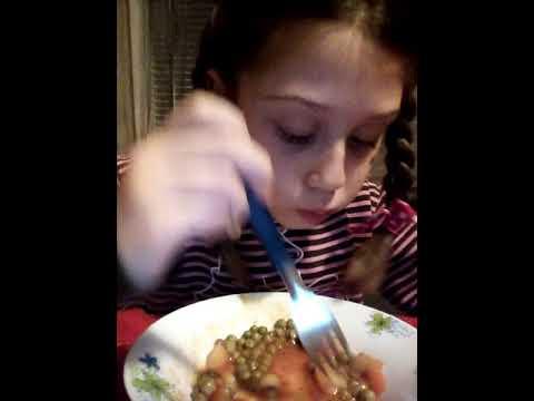 Видео Бързо хранене