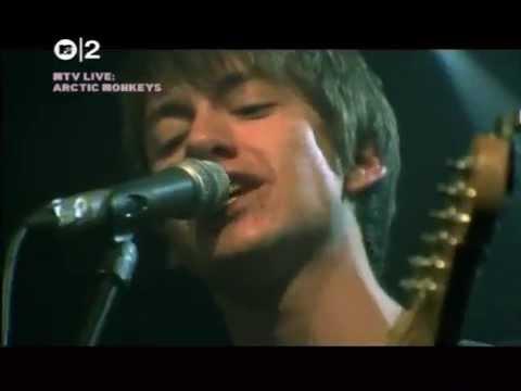 Arctic monkeys Live MTV2 (2005)