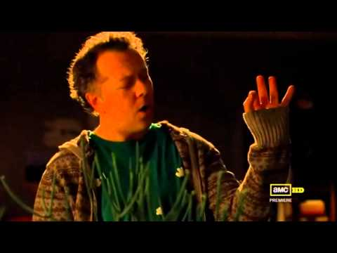 Breaking bad - Gale sings italian song Crapa Pelada by Quartetto Cetra.m2ts