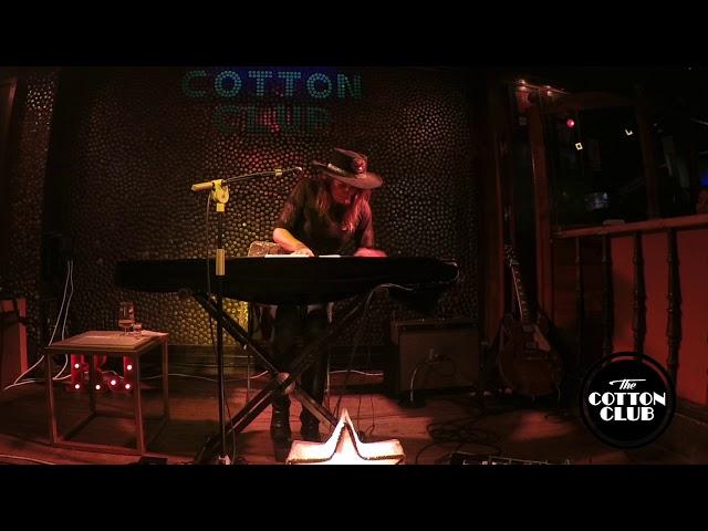 Rebeca Jimenez en directo en Cotton Club Bilbao