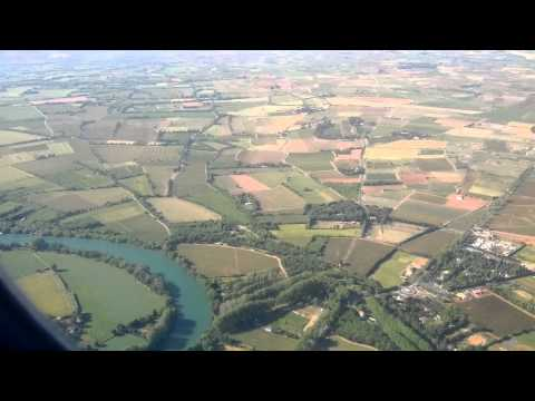 Ryanair B737-8 approach and landing @ Béziers (BZR) - 03/06/2013
