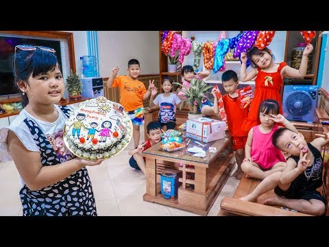 kids-go-to-school- -birthday-of-chuns-friends-go-buy-a-birthday-cake-give-to-classmates