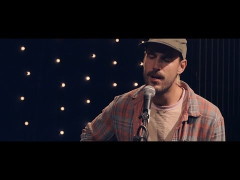 909 in Studio : Rayland Baxter - 'Freakin Me Out' | The Bridge