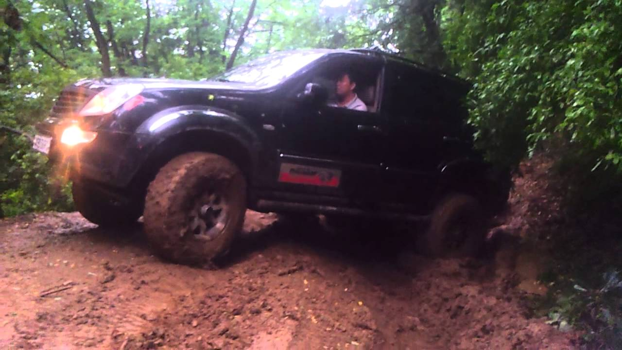 ssangyong rexton off road 4x4 mud youtube. Black Bedroom Furniture Sets. Home Design Ideas