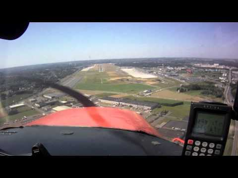 VFR approach and landing at Charleroi (EBCI)