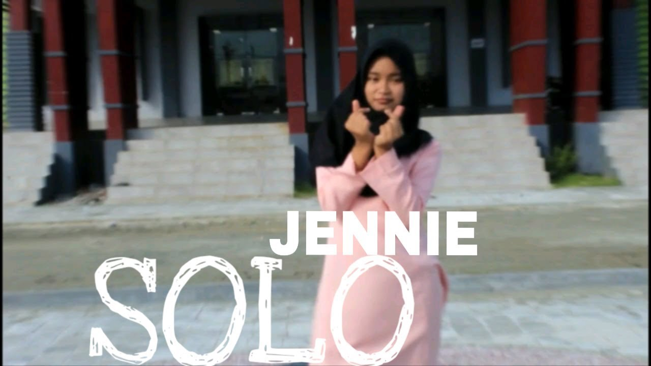 [ HIJAB DANCE COVER ] - SOLO(솔로) _ JENNIE (제니) by ANNISA #1