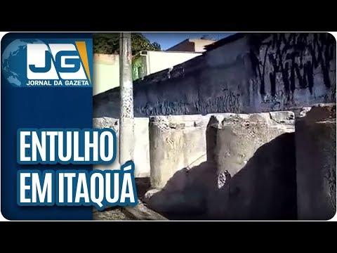 Morador reclama de entulho em Itaquá