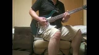 ギターのリフをアレンジしたりして、曲のスピード感を意識して弾いてみ...