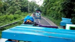 Bus SUTRA dan MURNI KEJAR KEJARAN ke BERASTAGI KARO