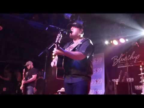 Luke Combs-Live-