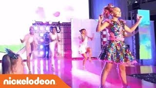 JoJo Siwa 360° Video 'Hold the Drama' Live Performance | Nick
