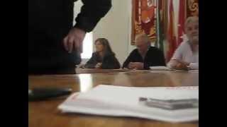 El alcalde de Pelayos expulsa a un  concejal del PSM-PSOE por ejercer derechos constitucionales