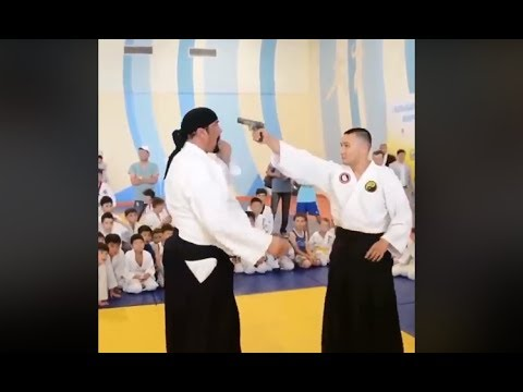 Berühmt Steven Seagal Aikido One Of The Best Aikido Demonstration To Self &XD_74